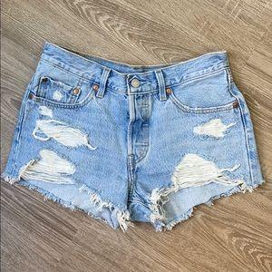 Levis cut off denim shorts